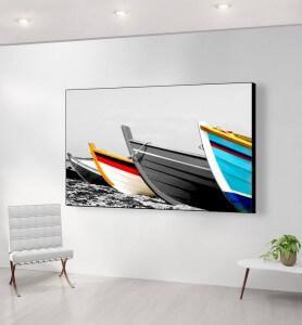 Grand Tableau Barques de pêcheurs colorées noir et blanc