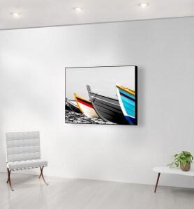 Moyen Tableau Barques de pêcheurs colorées noir et blanc