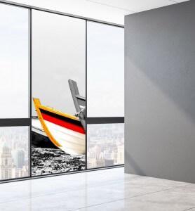 Vitrophanie Barques de pêcheurs colorées noir et blanc